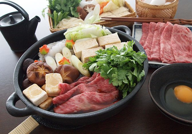 関東風すき焼き」の簡単レシピとおすすめのしめ方【テーブルマーク】